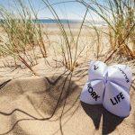 agile BGF » betriebliche Gesundheitsförderung » er, Sand, Düne mit der Idee Work-Life-Balance