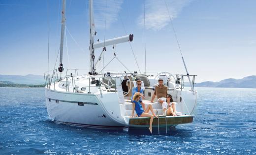 Tagesausflug Segeln - Badeplattform zum Relaxen