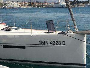 croatia boat show - Bugansicht einer Segelyacht