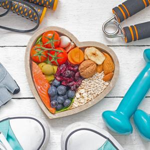 Gesundheitsberatung - körperliche und geistige Fitness in der Freizeit und im Job - Handteln - Ernährungskorb - Sportschuhe